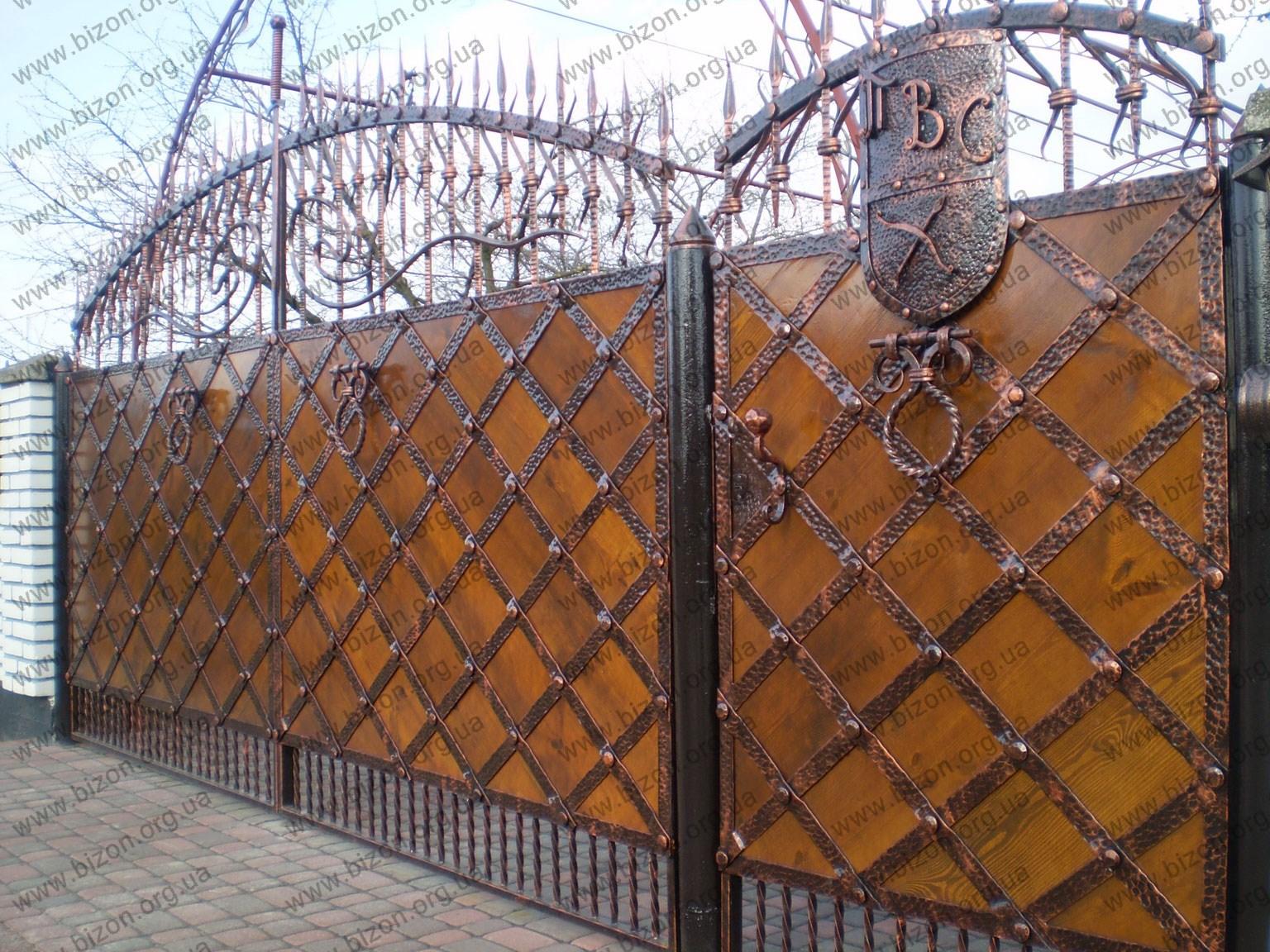 Ворота из кованных элементов своими руками 37